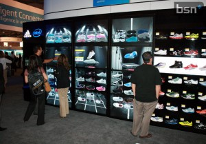 enhancing-retail-experiences-keeping-customers-engaged-entertained-and-informed-with-digital-signage
